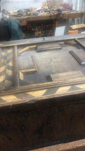 Antieke dekenkist restauratie